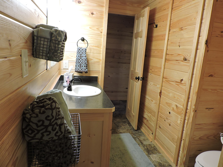 cabin2bathroom3